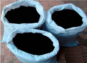 Многие поставщики предлагают торф, расфасованный в мешки или насыпом.