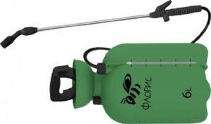 Для небольшого розария достаточно опрыскивателя с компактным баком для жидкости.