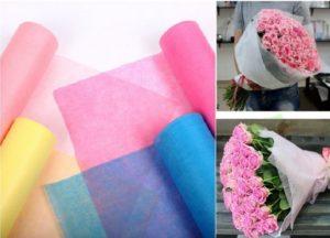 Флизелин флористические представляет собой нечто среднее между бумагой и тонкой тканью.