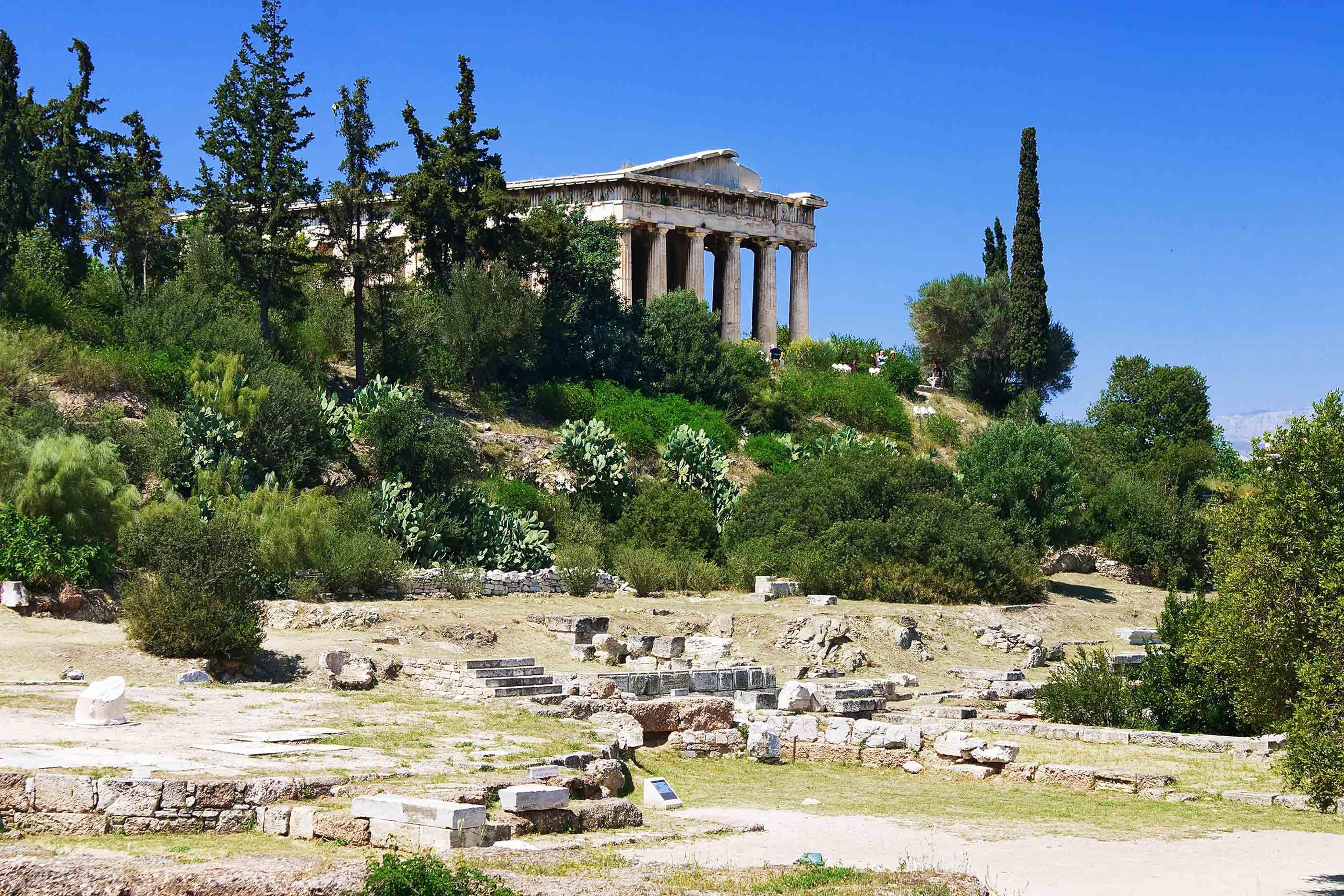 Чем примечателен храм Гефеста?