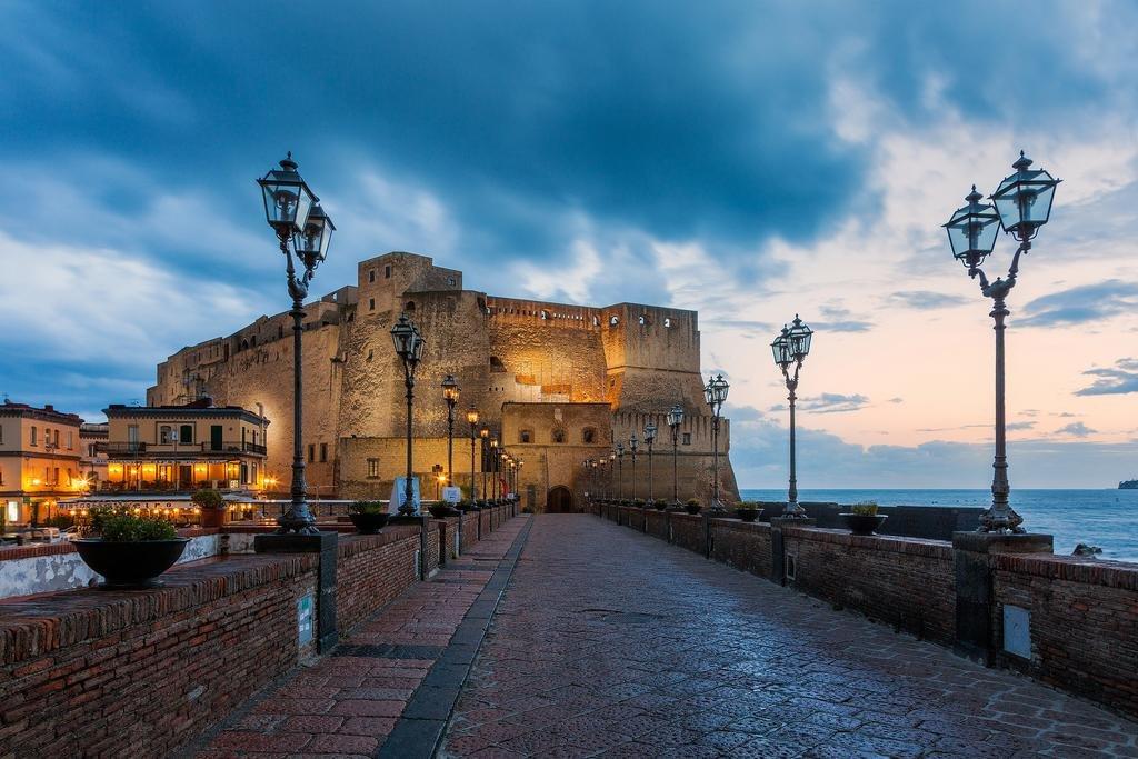 Университетские города Италии: Неаполь