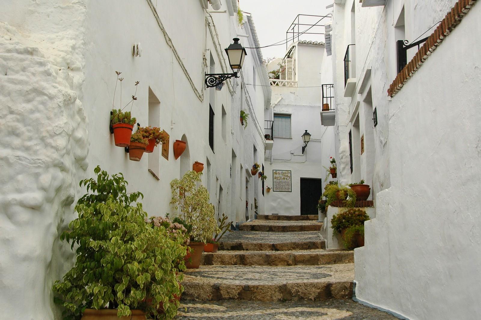Незабываемые места отдыха в Испании